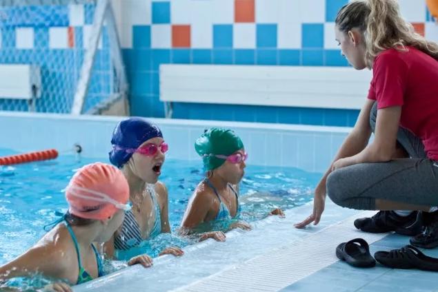 бассейн с тренером для детей
