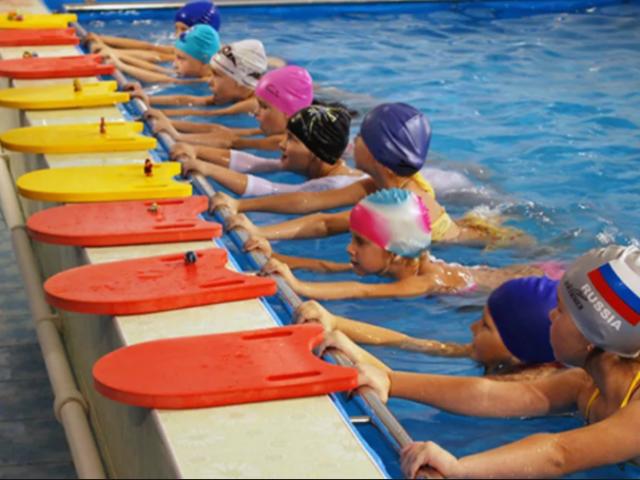 обучение плаванию детей в Москве