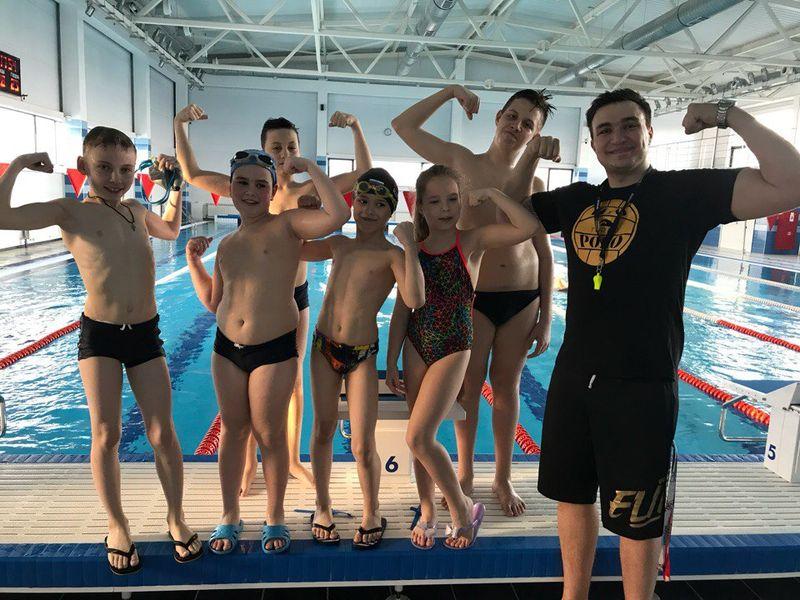 профессиональное плавание для детей в Москве